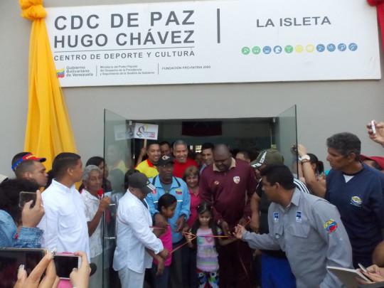 CENTRO DEPORTIVO Y CULTURAL HUGO CHAVEZ INAUGURACION SECTOR LA ISLETA PUERTO LA CRUZ (4)
